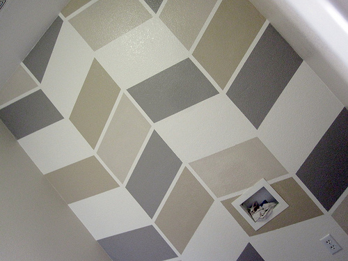 inspiration wednesday patterned accent walls. Black Bedroom Furniture Sets. Home Design Ideas