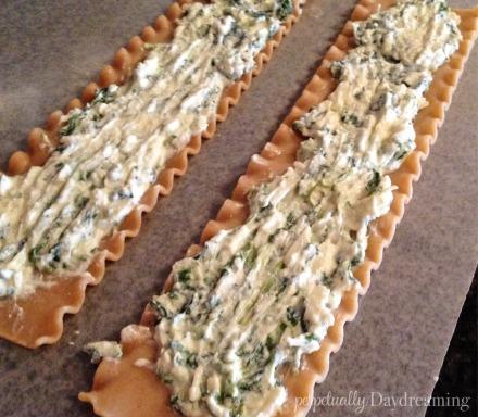 Skinny Turkey Lasagna Rolls || Perpetually Daydreaming3